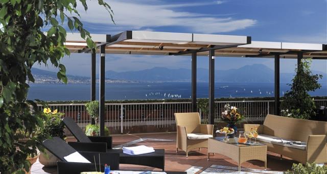 Servizio navetta aeroporto - Hotel con parcheggio Napoli - Best Western Hotel Paradiso - Napoli