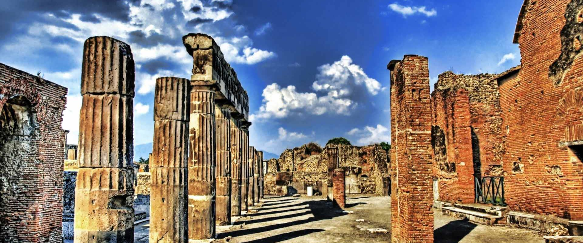 Discover the archaeological site of Pompeii and reserve your room at the BW Signature Collection Hotel Paradiso!