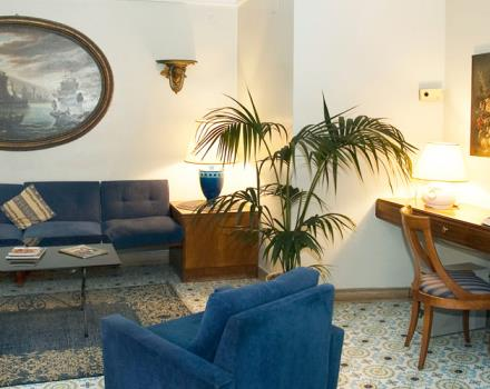 Want to visit Naples staying in a hotel full of services? Book at the Best Western Hotel Paradiso!