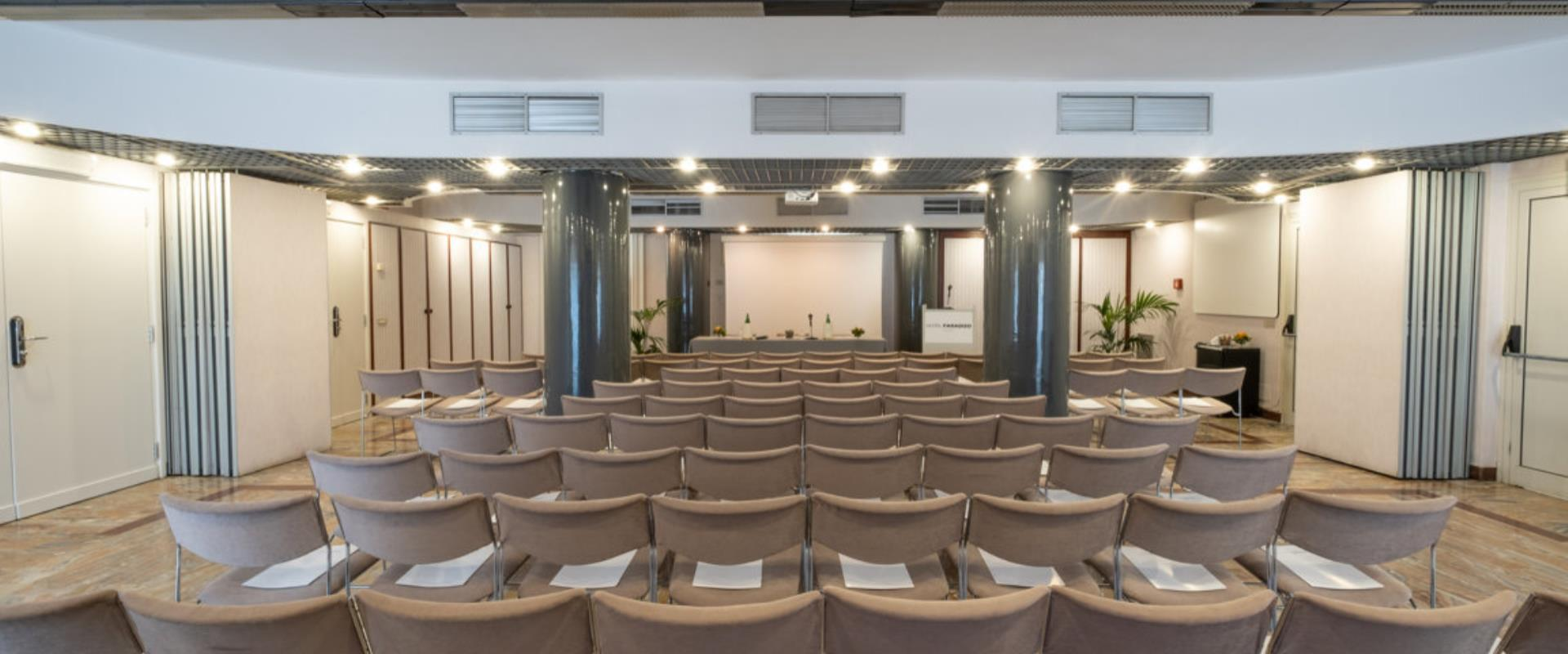 The BW Signature Collection Hotel Paradiso offers multifunctional meeting rooms for conferences, meetings, exhibitions and events of all kinds.