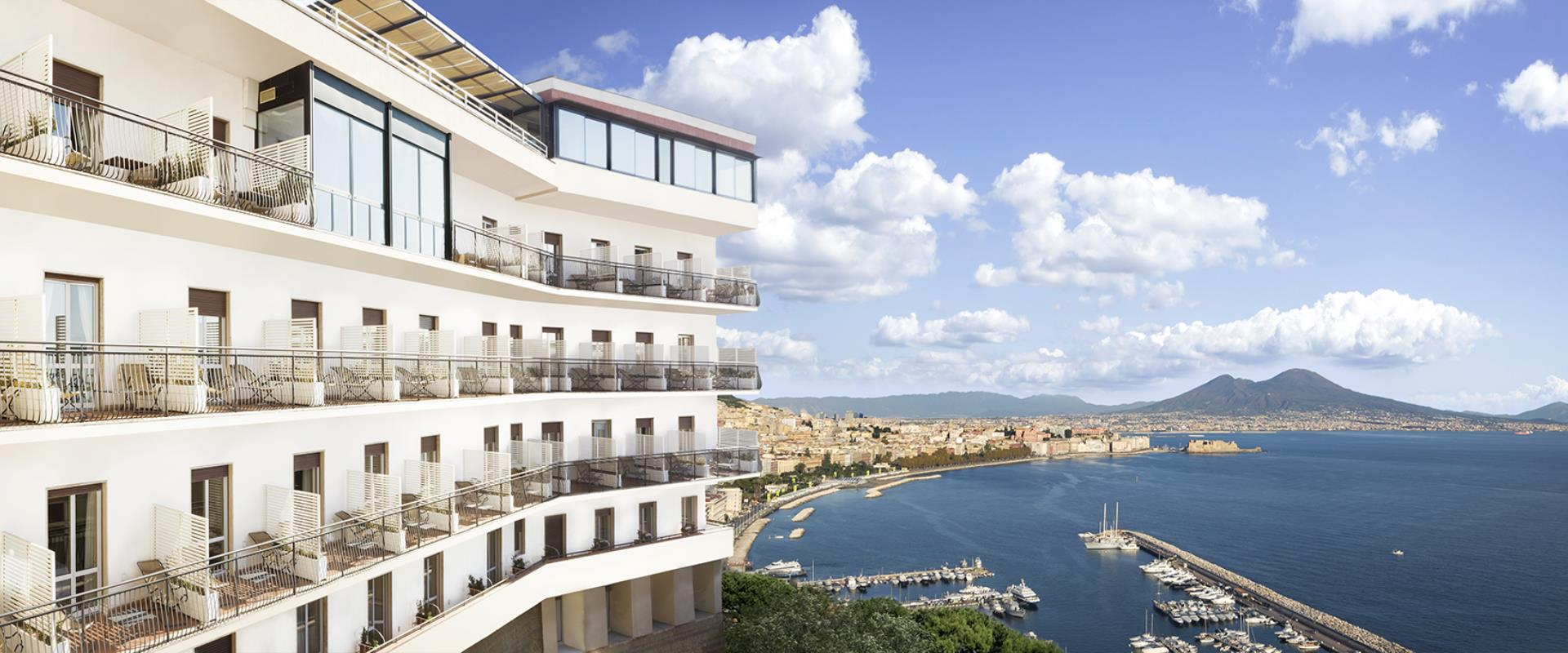 BW Signature Collection Hotel Paradiso Naples-hotel 4 Stars in Posillipo with incredible views of the Bay of Naples