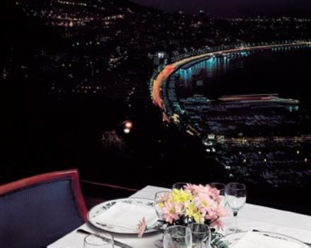 Would you like a hotel in Naples with a restaurant? Choose the BW Signature Collection Hotel Paradiso
