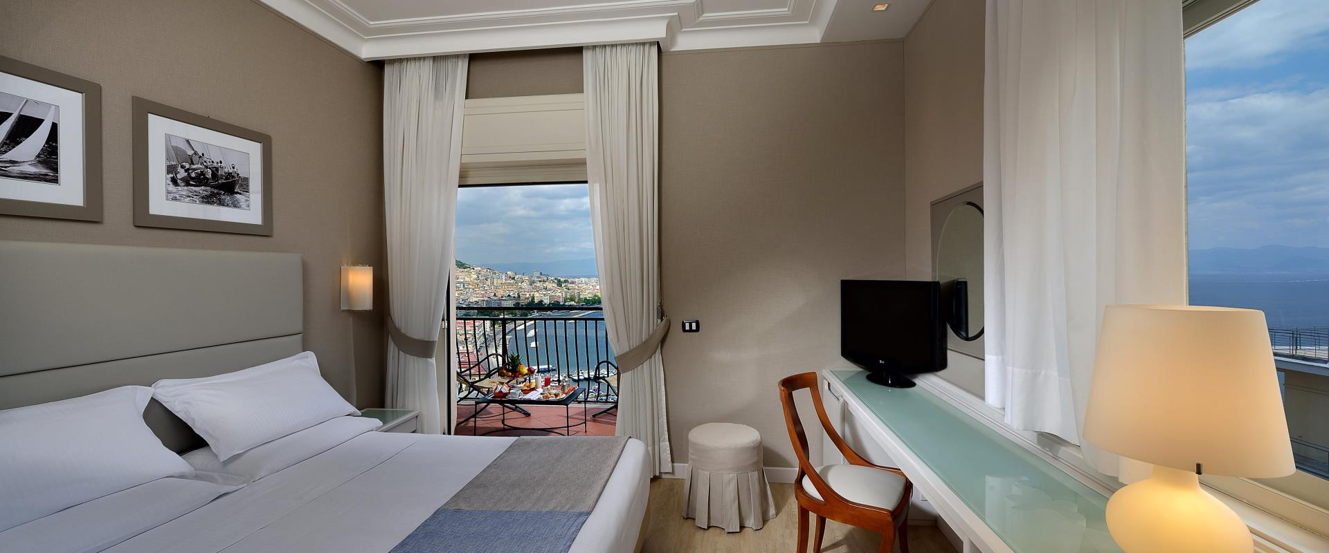 Sea View Double Room à travers le golfe de Naples - Hôtel Paradiso Naples
