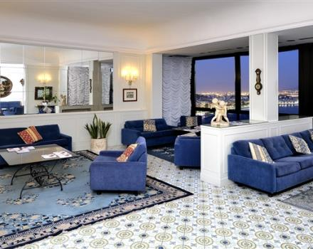 Visit Napoli and stay at  the Best Western Hotel Paradiso