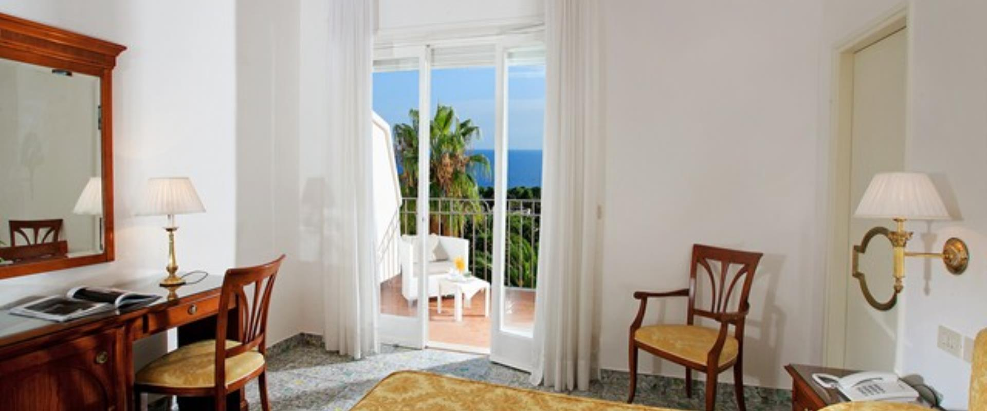 The panoramic rooms of  Hotel Syrene Capri.