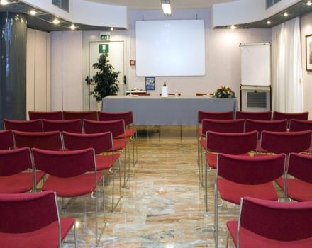 You have to organize an event and you are looking for a meeting room in Naples? Discover the Best Western Hotel Paradiso