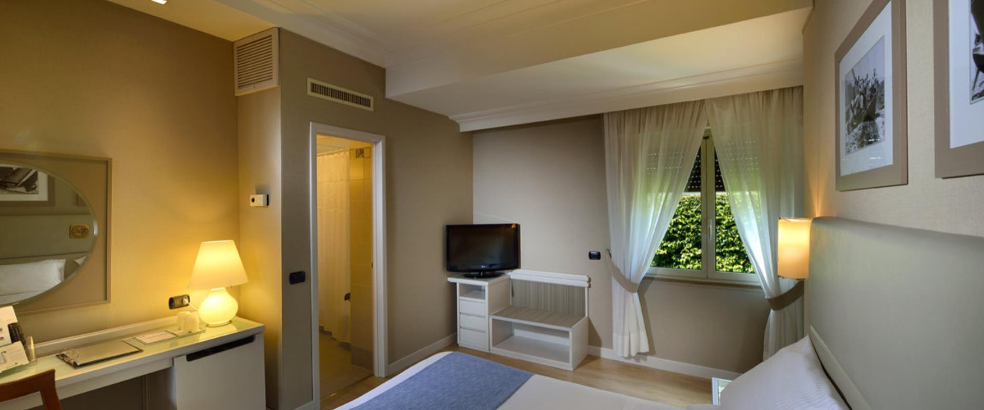 Enjoy relaxing in the comfort rooms of the BW Signature Collection Hotel Paradiso