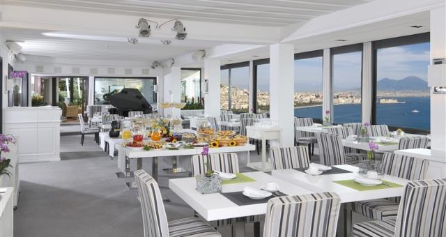 ... Italian culinary specialties with a unique seaview!