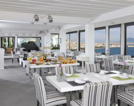 The restaurant at the BW Signature Collection Hotel Paradiso  in Napoli offers you the taste of local cusine